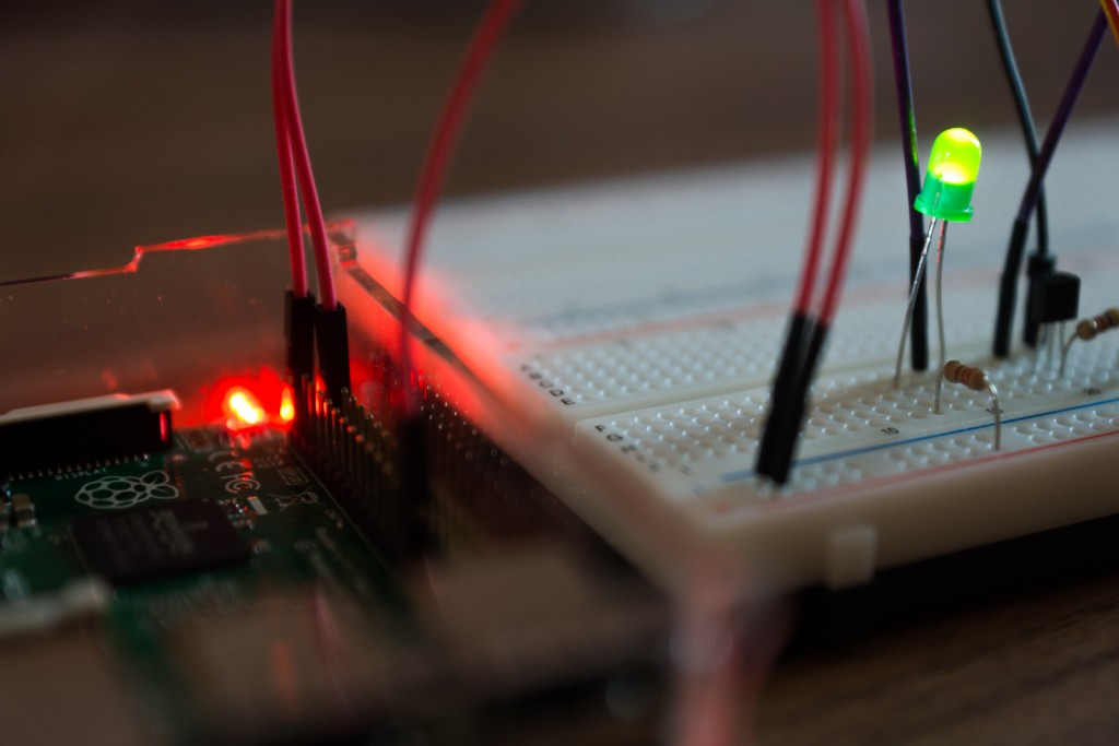 Raspberry Pi 2 mit Windows 10 Output LED